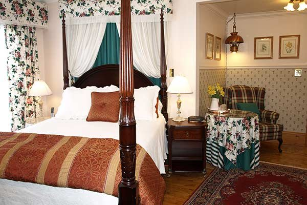 Guest Rooms at Delft Haus