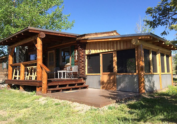 Emigrant Peak Cabin at Paradise Gateway in Emigrant, Montana