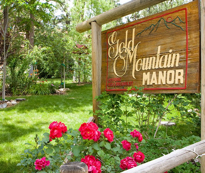 Wedding at Gold Mountain Manor in Big Bear Lake, CA