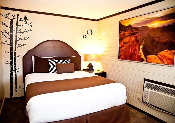 Guest Rooms at Canyons Lodge in Kanab, UT