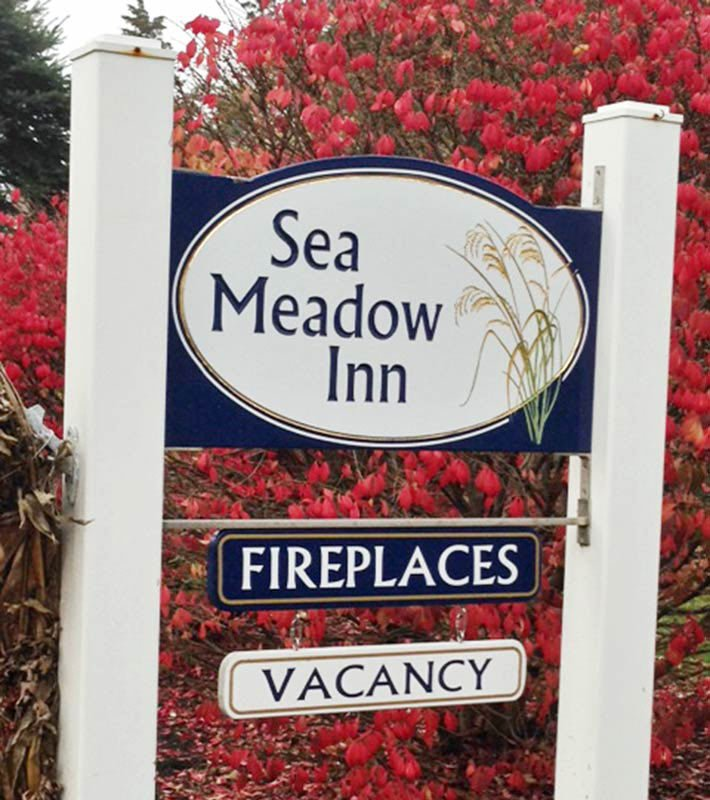 Sea Meadow Inn Exterior Sign