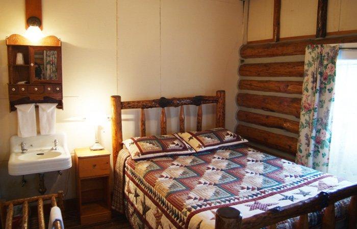 Mt Holmes Room Madison Hotel