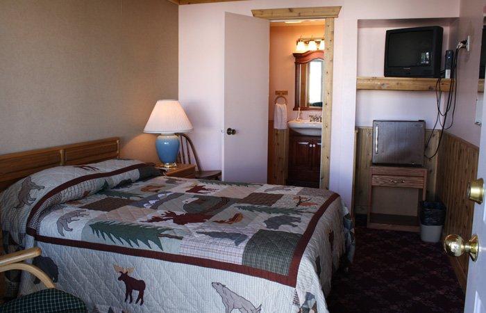 Absaroka Mountain Range Madison Motel