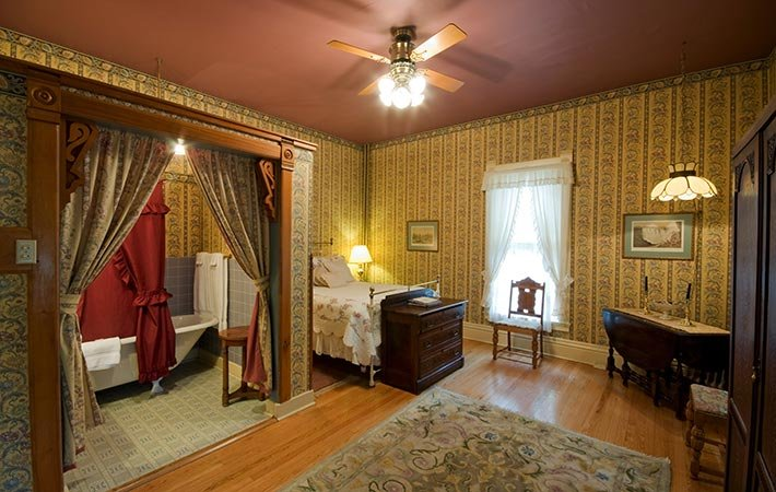 Guest Rooms at The Voss Inn in Bozeman, MT