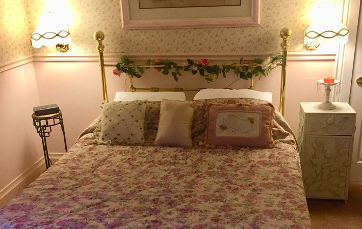 The Pink Rose Room at power mansion in Auburn, CA