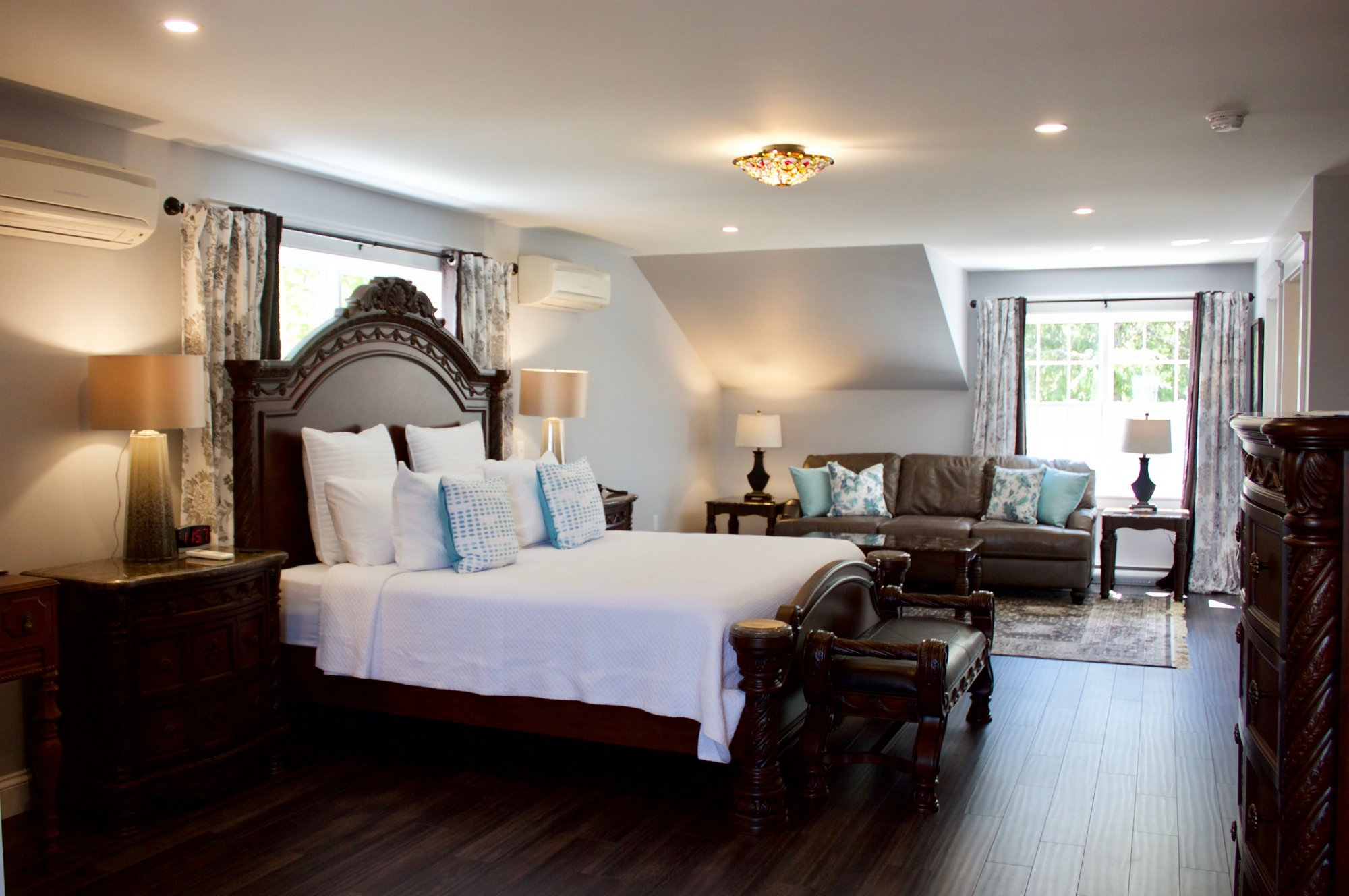 The Harwood Suite at Tattingstone Inn