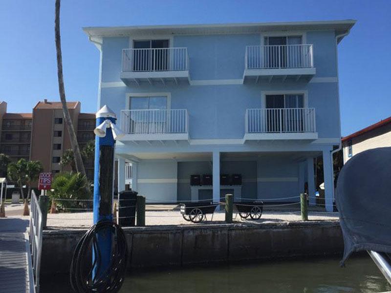 Bay Side Apt #4 at Carter Vacation rentals