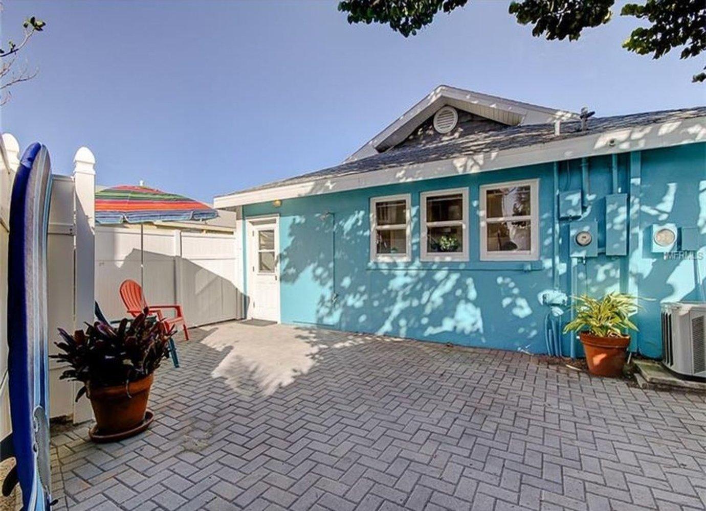 Pelican Beach Cottage Vacation Rentals In Florida