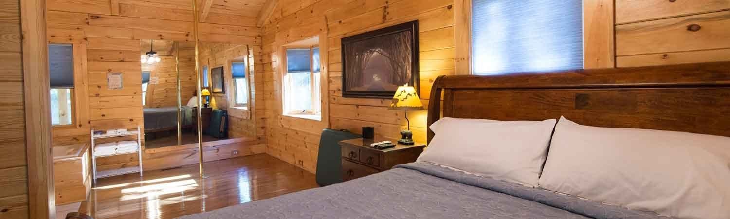 cabins dsc bismarck charm stay hot places to detail with log country arkansas tubs in romantic