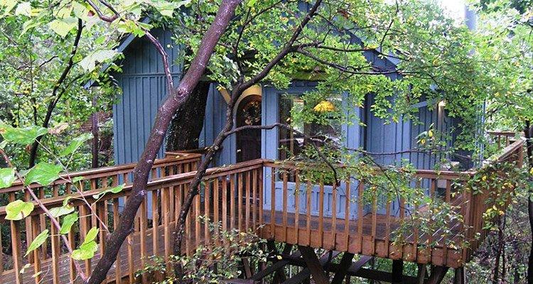 Hidden Oak Treehouse Eureka Springs Treehouse Cabins