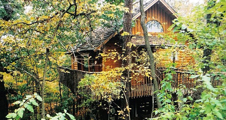 Hideaway Treehouse Tree Houses In Arkansas Treehouse