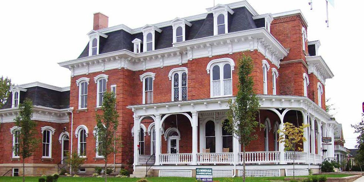 Heritage House Suites in Indiana, PA - Victorian Inn and