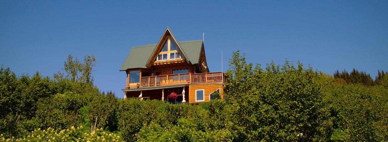 Superbe Log Cabins And Vacation Rentals Overlooking Kachemak Bay In Homer, Alaska