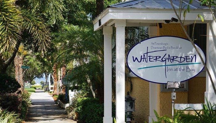 Watergarden Inn at the Bay street sign