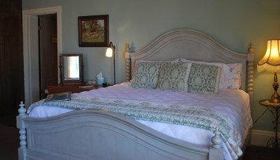 Lucinda Room
