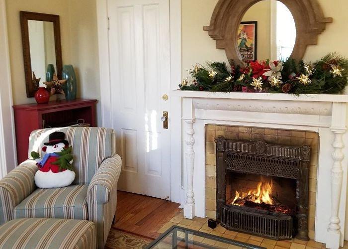 Barkley Room at Rosemont Cottages in Little Rock, AR