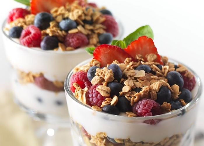 Yogurt granola fruit bowl