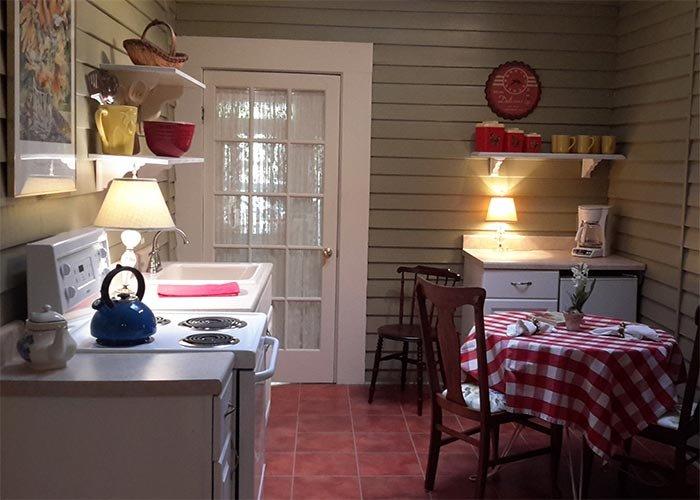 Greenbriar Guest Room at Rosemont Cottages in Little Rock, AK