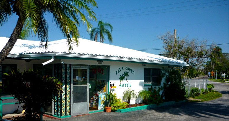 exterior of Palm Court Motel