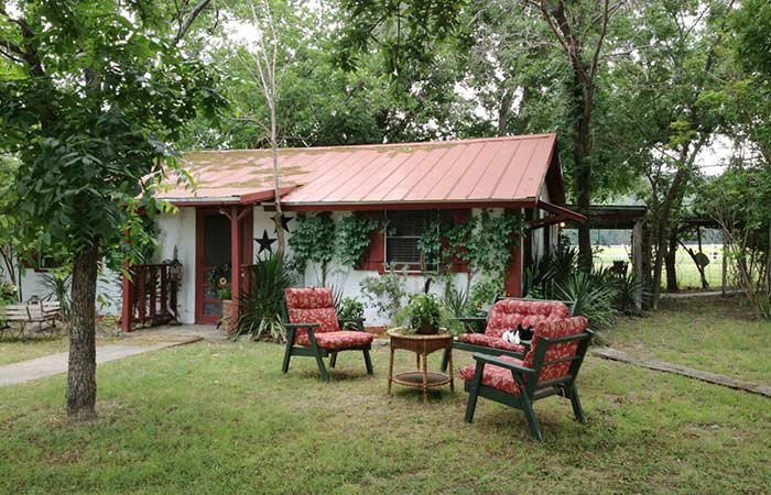 Guest reviews glen rose tx cabins country woods inn for Texas cabins in the woods