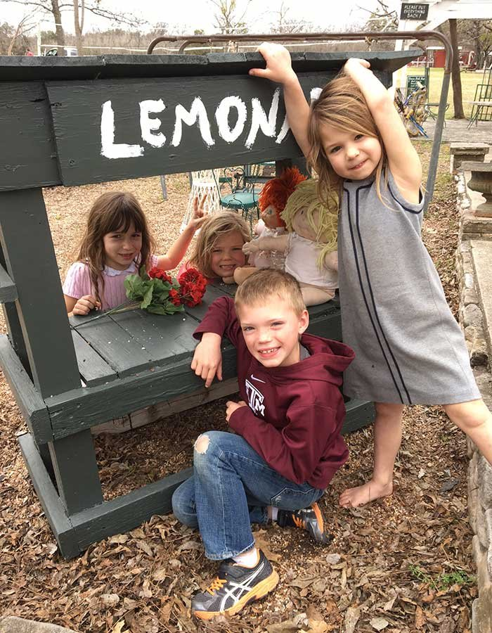 kids selling lemonade at Country Woods Inn