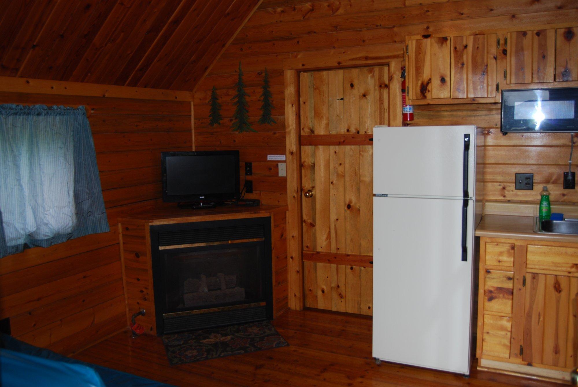 Redwood coast cabins and rv resort between eureka and arcata for Eureka ca cabins