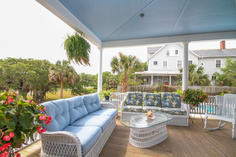 Inn Details of Surf Song Bed & Breakfast in Tybee Island, GA