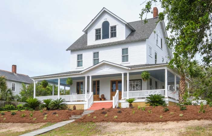 Inn HIstory of Surf Song B&B in Tybee Island, GA