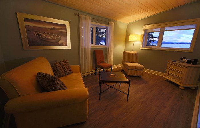 Bayview Apartment at Inn on the Lake in Yukon, Canada