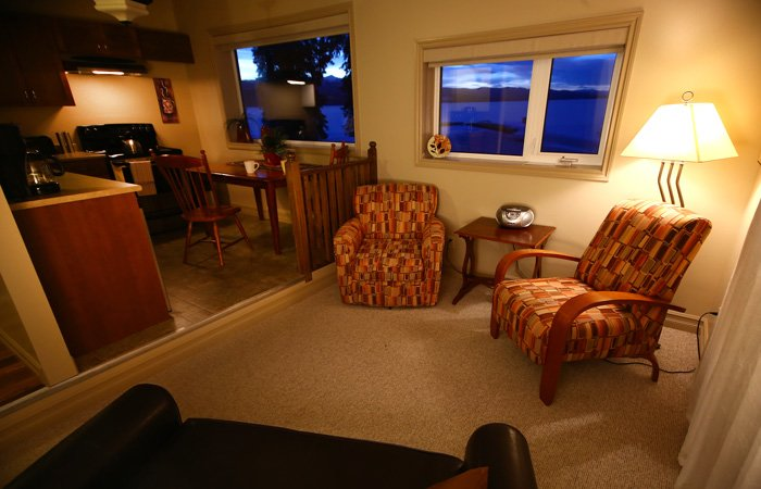 Kodiak Apartment at the Inn on the Lake in Yukon Canada