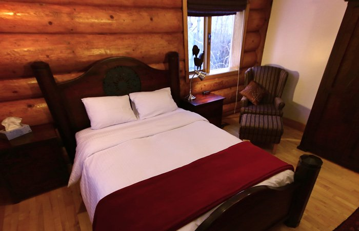 Presidential Room at the Inn on the Lake in Yukon, Canada