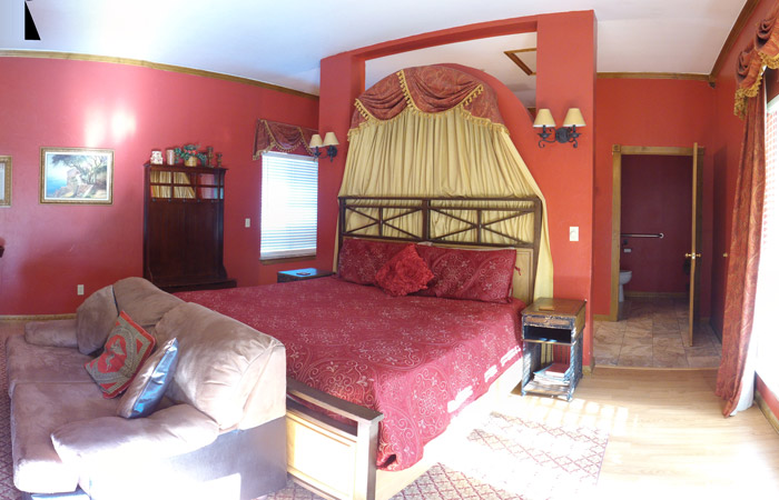 Whispering Pines Inn Secret Rose Suite in Norman Oklahoma