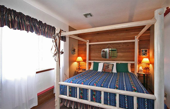Pinecone Cottage at Whispering Pines Inn in Norman Oklahoma
