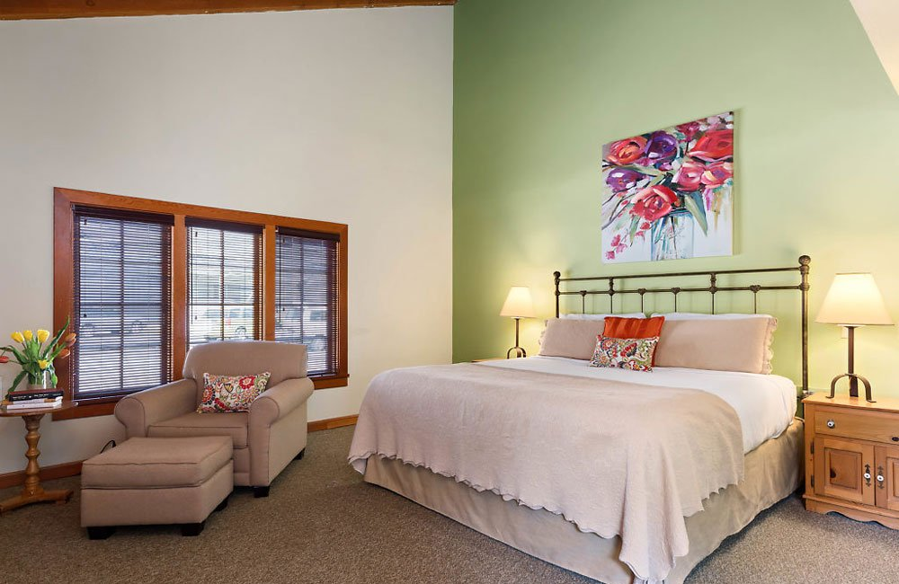 Room 28 at La Conner Inn in La Conner, Washington