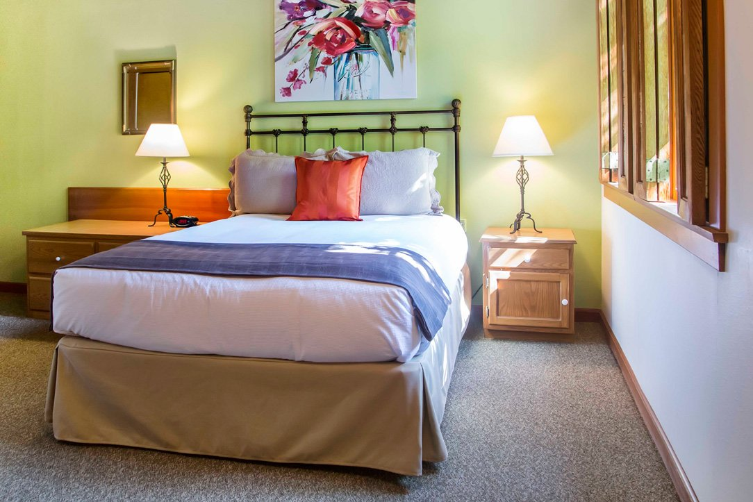 Deluxe King Room at La Conner Inn in La Conner, Washington