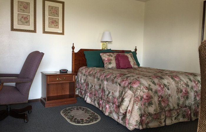 Guest Rooms Accommodations and Amenities at the Crest Country Inn in Williamsburg, Iowa