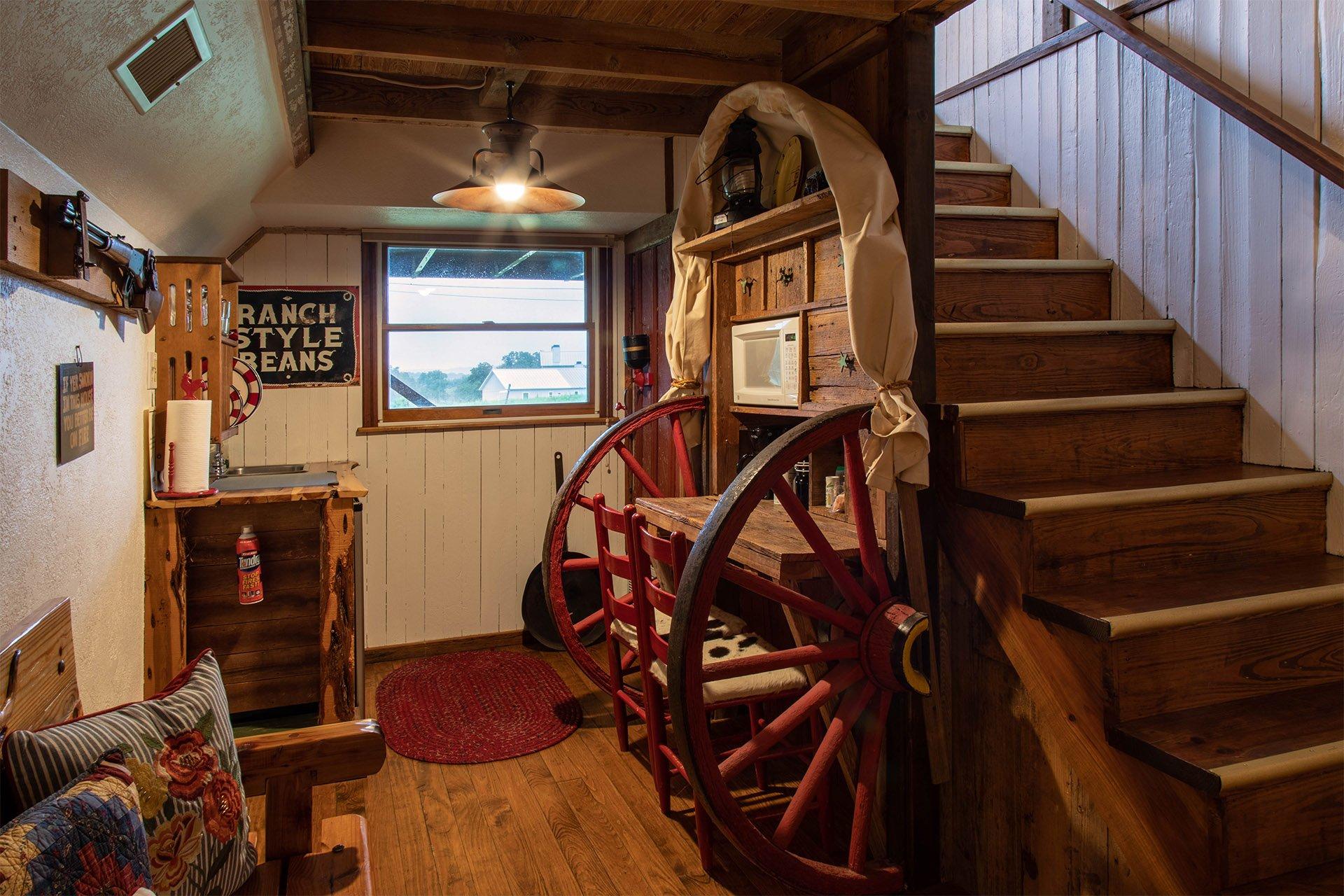 Larry Bill's Chuckwagon - Chuckwagon Inn | Fredericksburg