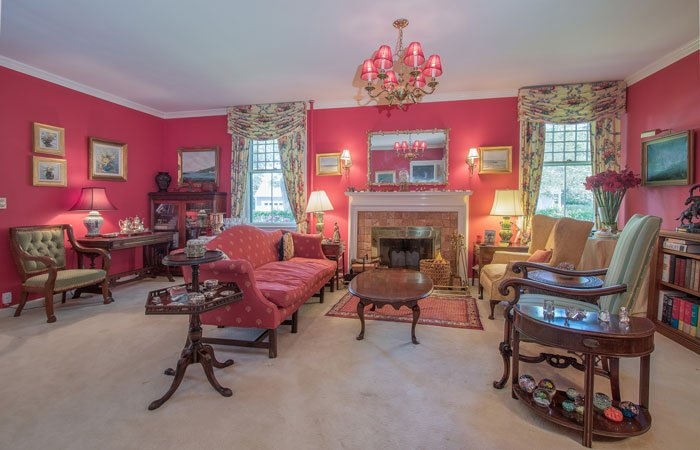 About Harbor Knoll Bed and Breakfast in Greenport, New York