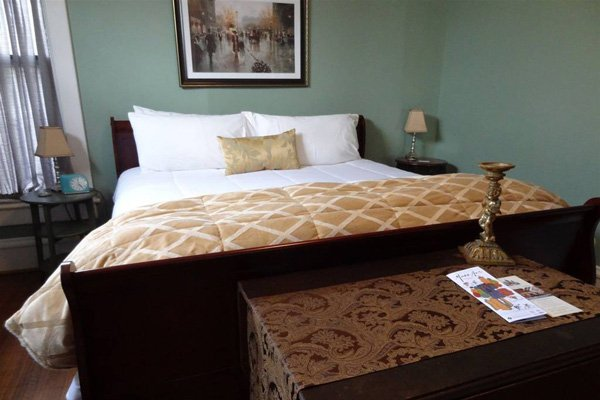 Rooms at the Nestle Inn in Indianapolis, Indiana