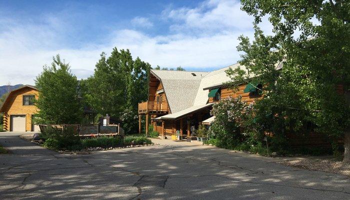 Polices at Snowberry Inn in Eden, Utah