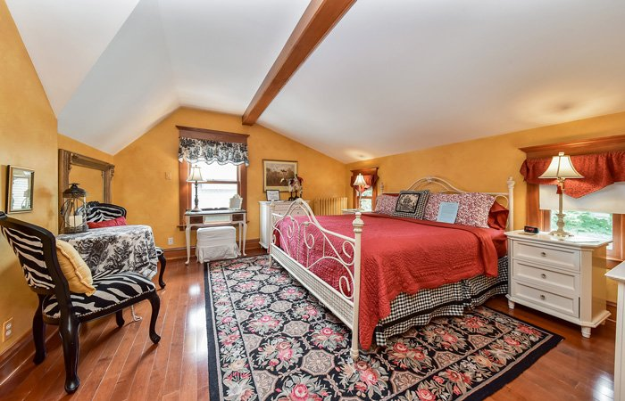 Rooms at Harrison House Bed and Breakfast in Naperville, Illinois
