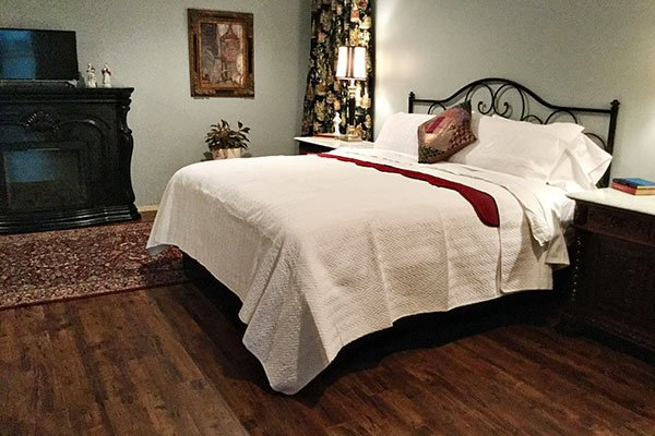 Mulberry Suite at Blythewood Inn B&B in Columbia, TN