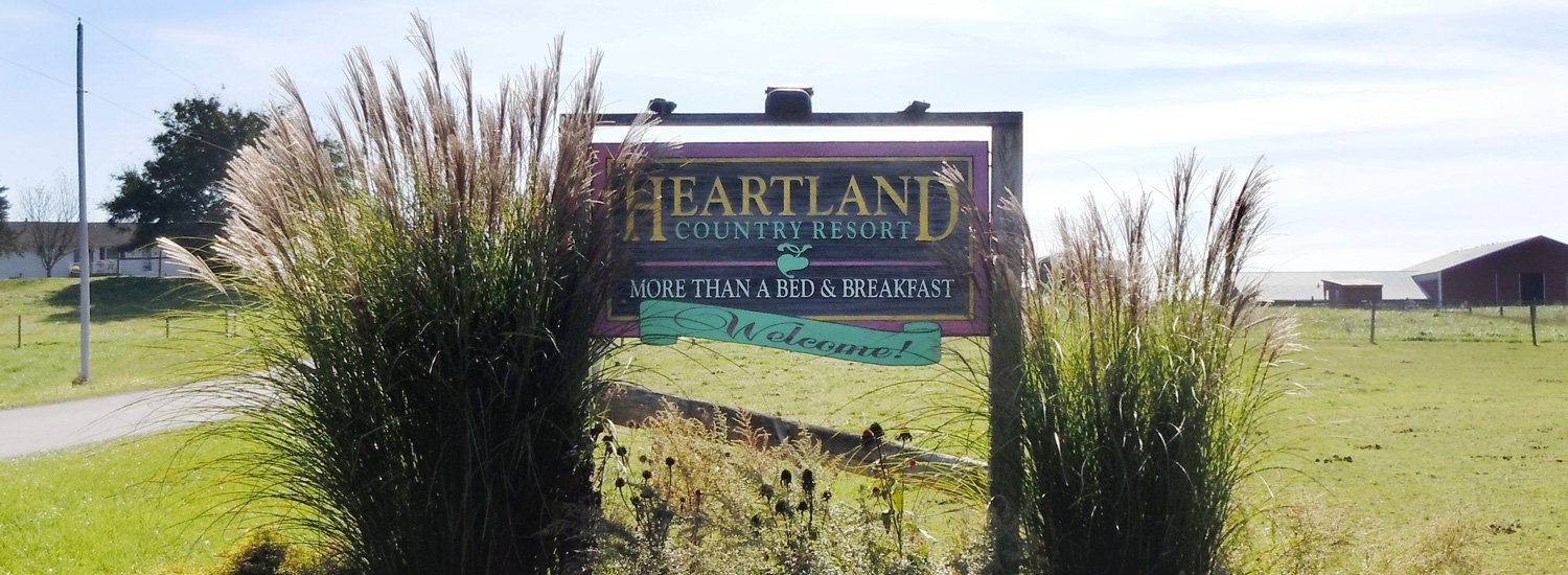 Sign welcoming guests to Heartland Country Resort