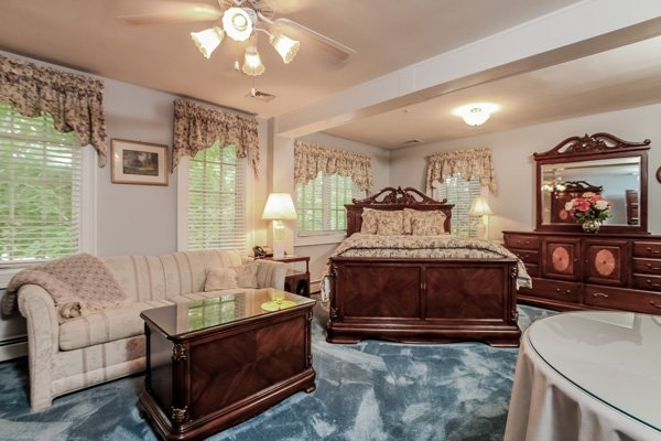 Guest Rooms at the Villa Bed and Breakfast