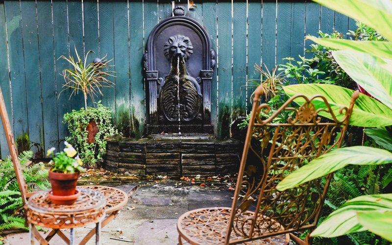 Delicieux The Parisian Courtyard Inn | 1726 Prytania Street, New Orleans LA 70130 |  (504) 581 4540 | Info@theparisiancourtyardinn.com