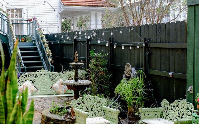 Beau The Parisian Courtyard Inn | 1726 Prytania Street, New Orleans LA 70130 |  (504) 581 4540 | Info@theparisiancourtyardinn.com