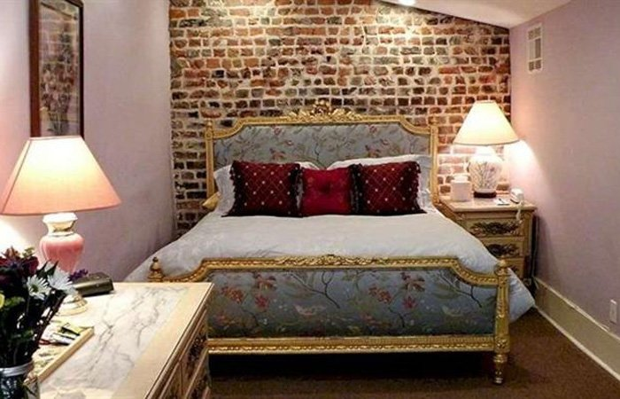 Rooms at Parisian Courtyard Inn in New Orleans, Louisiana
