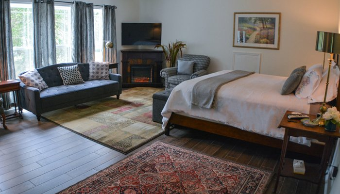 St Francis Cottage Policies Monarch Bedroom