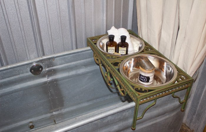 Bathtub Spa at Fox Pass Cabins