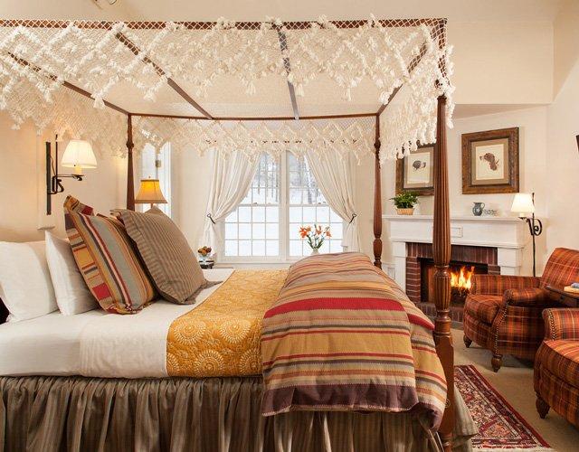 Honey Crisp Cottage Room 17